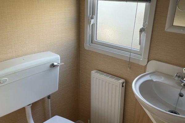 11. Main Bathroom