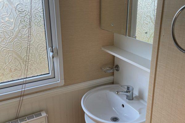 12. Large Shower Room