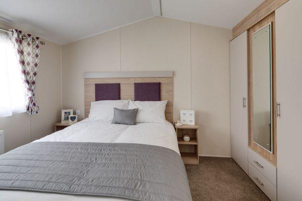 Linwood-master-bedroom