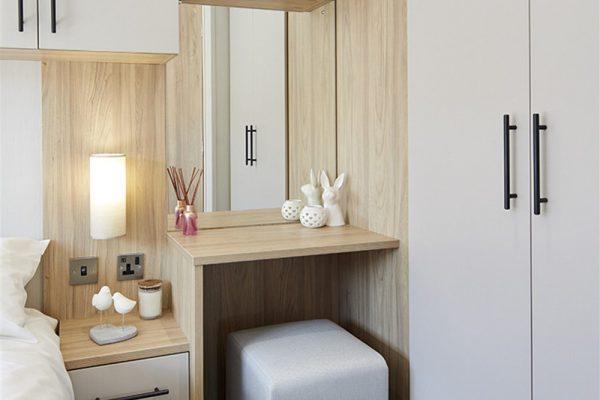 Willerby-Manor-vanity-table